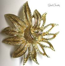 Vintage Sarah Coventry  Jewelry - #6249  Demi-Flower Pin - $11.58