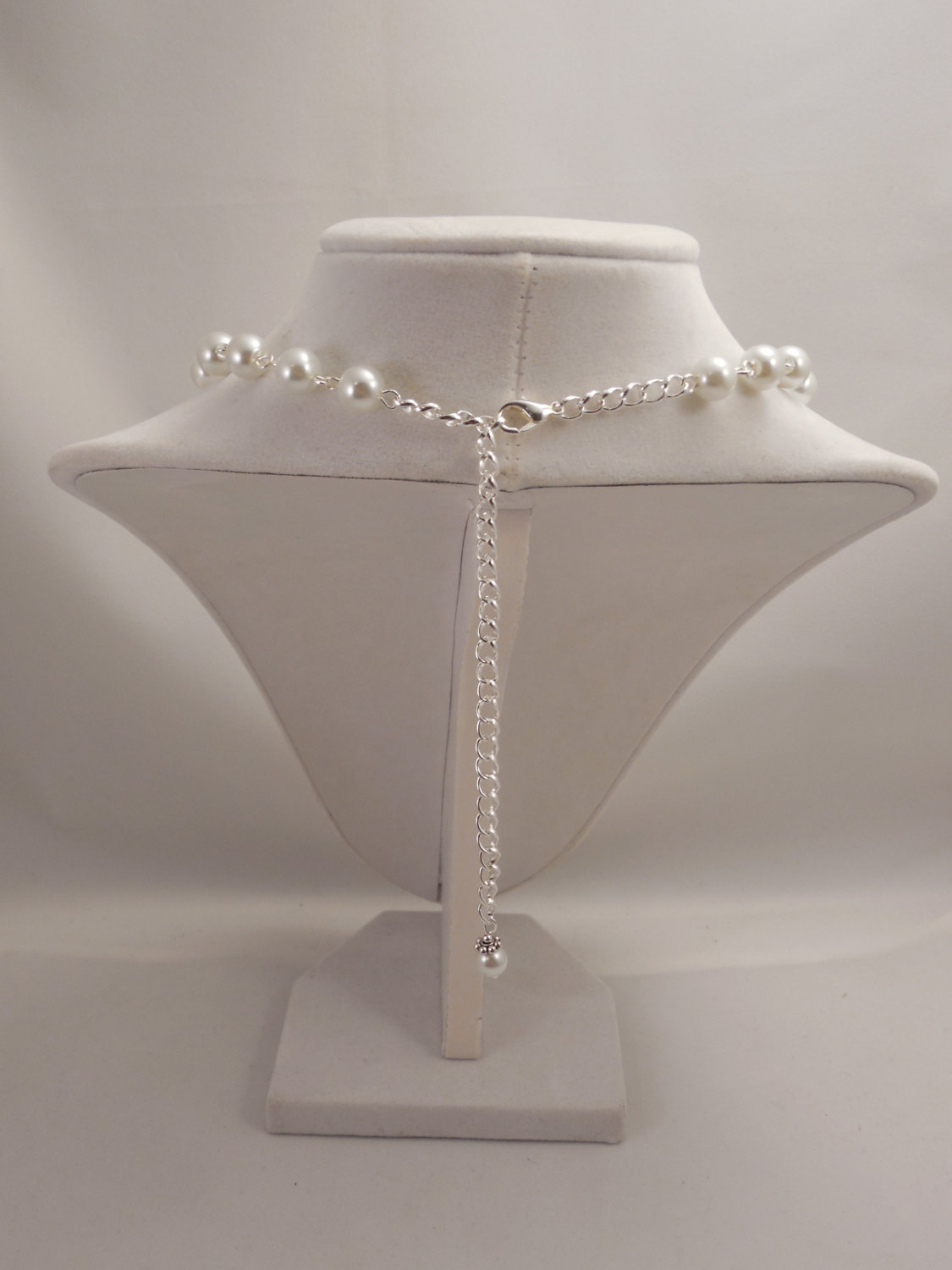 Gorgeous and Elegant, 8mm White Glass Pearl Chain Necklace with Sparkle Spacer