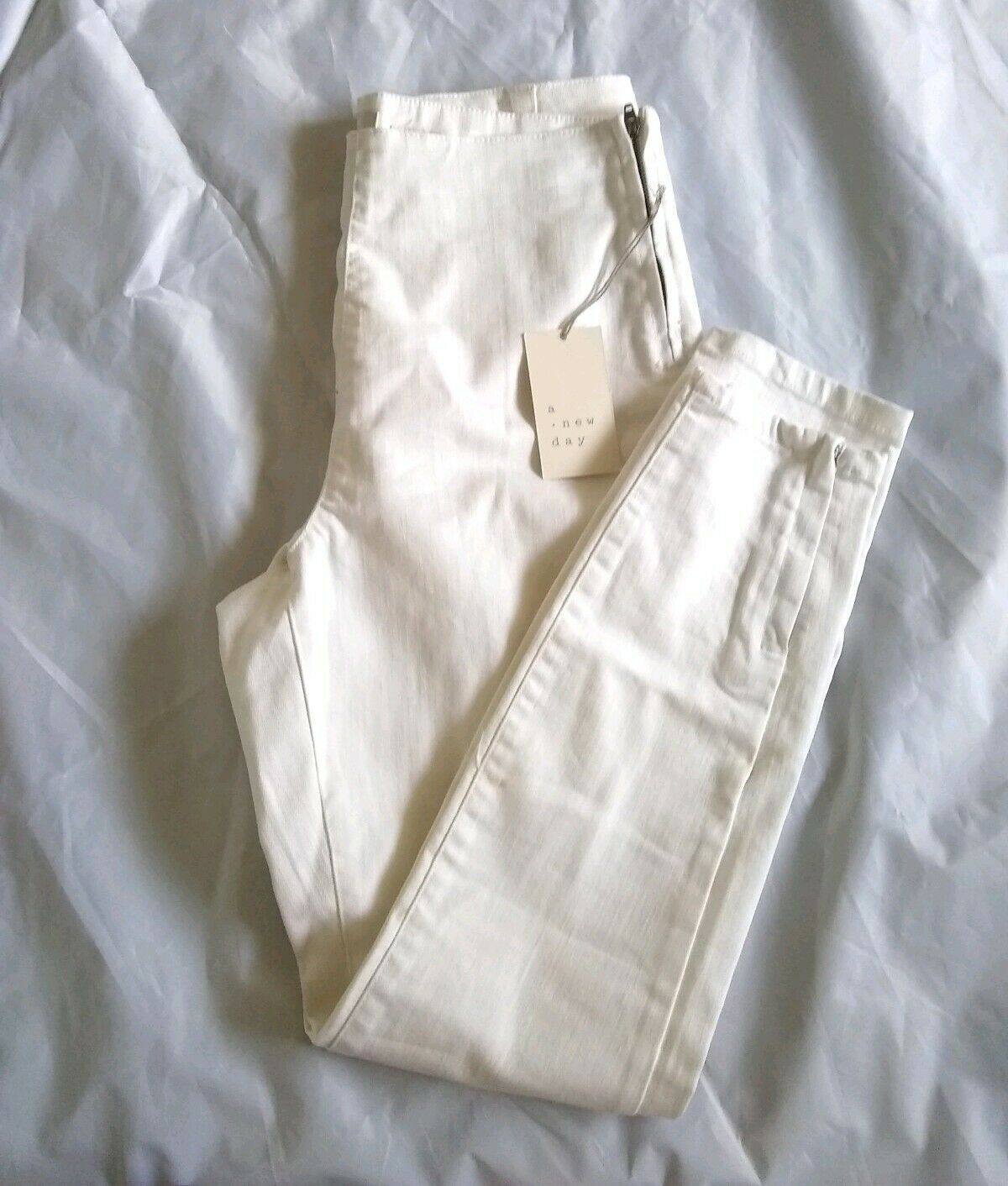Primary image for a new day Women's Side-zip Regular Fit High-Rise Skinny White Ankle Pants Size 8