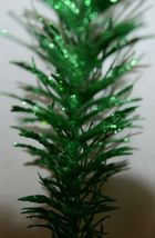 Tii collections G3229 Green Swirl Decorative Tinsel Feather image 4