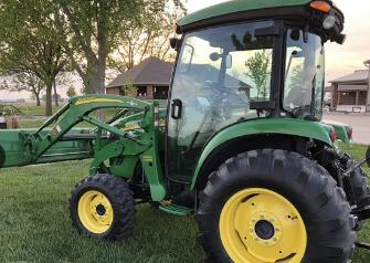 2011 JOHN DEERE 4320 For Sale In Aviston, Illinois 62216