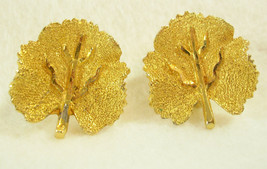 Vintage BSK Veined Leaf Gold Plate Leaves Clip Earring Wonderful Classic... - $12.38