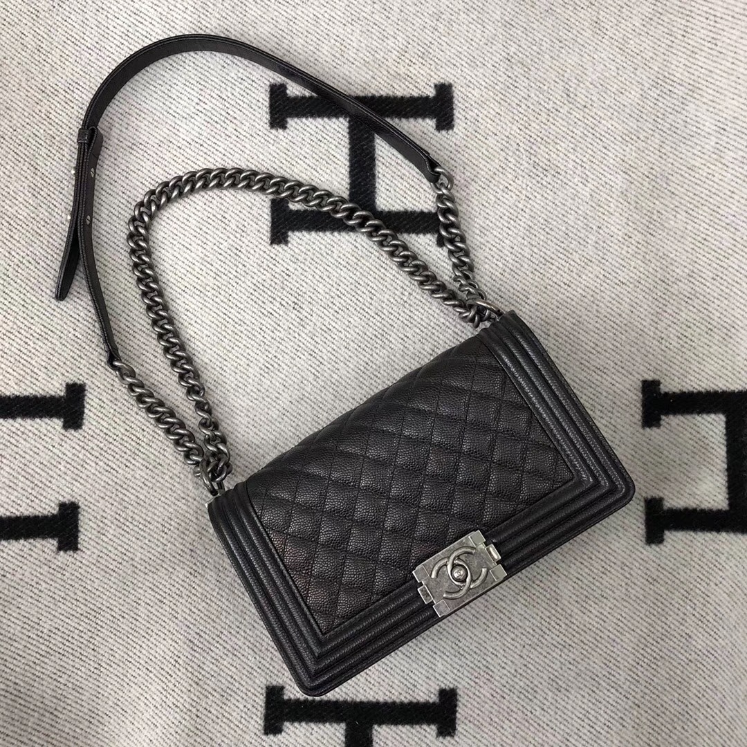 AUTHENTIC CHANEL LE BOY BLACK QUILTED CAVIAR LEATHER MEDIUM FLAP BAG RHW