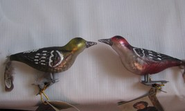 2 Clip On Bird ORNAMENTS Feather Tail mercury glass - $18.76