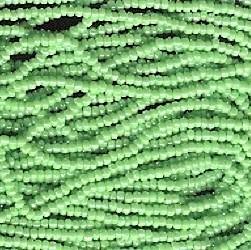 Seed bead rocaille full hank green   13
