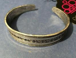 Paparazzi Cuff Bracelet (new)MY Oh Myan Silver - $7.61