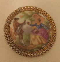 FRAGONARD Signed COURTING COUPLE CAMEO PIN BROOCH PIERCED GOLD FRAME HP ... - $25.64