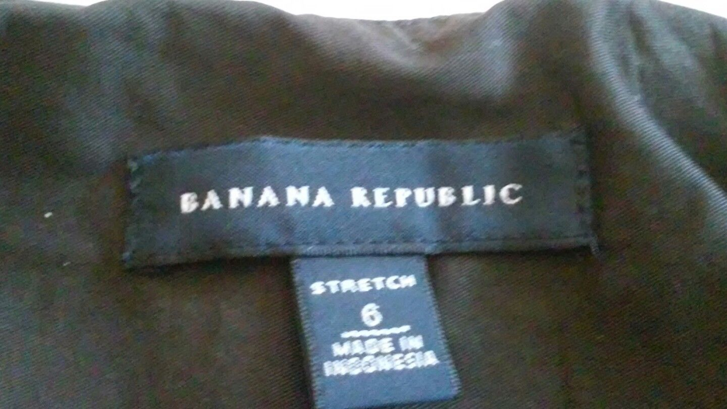 Size 6 Banana Republic Stretch Brown Pencil Skirt Pleated Front Pockets No Slit