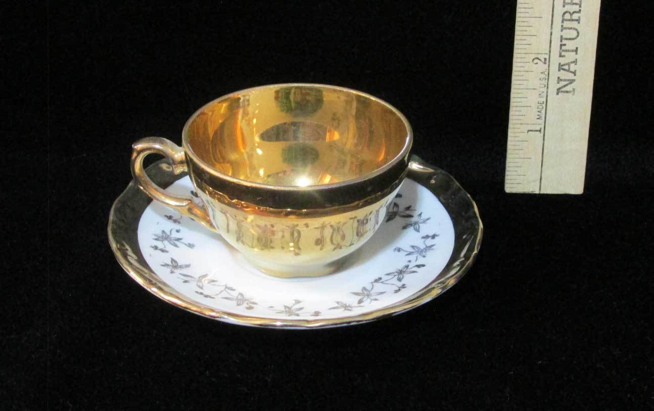 Miniature Demitasse Cup & Saucer Linderhof Estate Picture Schumann Vintage Gold
