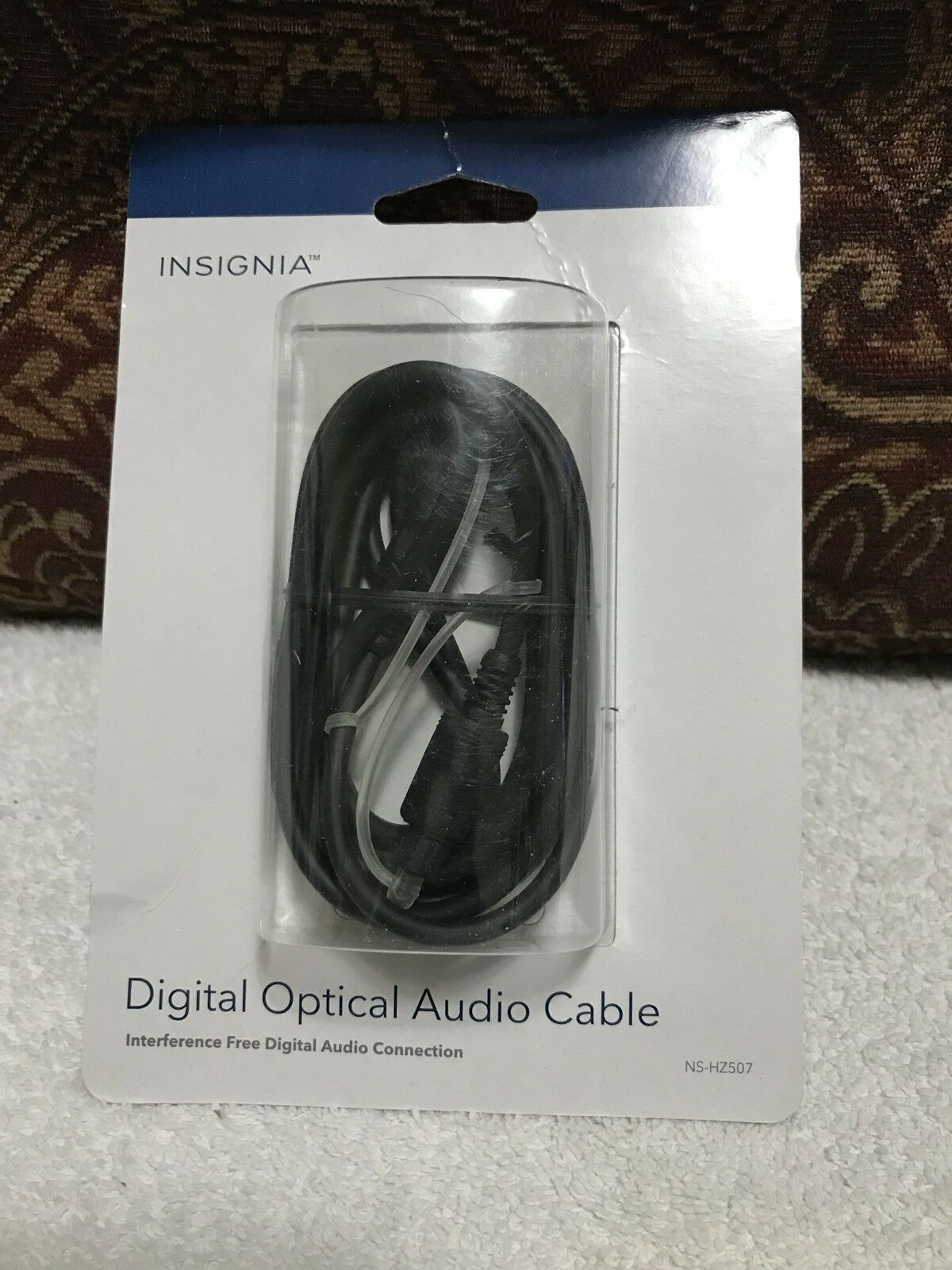 -INSIGNIA 6 ft Digital Audio Cable NS-HZ507-Brand New