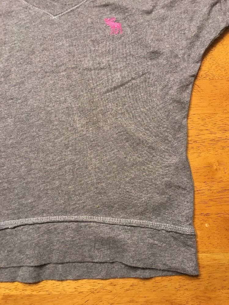 Abercrombie Kid's Girl's Gray Long Sleeve V-Neck Shirt - Size Small image 8