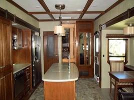 40' Heartland Landmark for Sale In Rockcrusher C.G. Crystal River, FL 34429 image 2