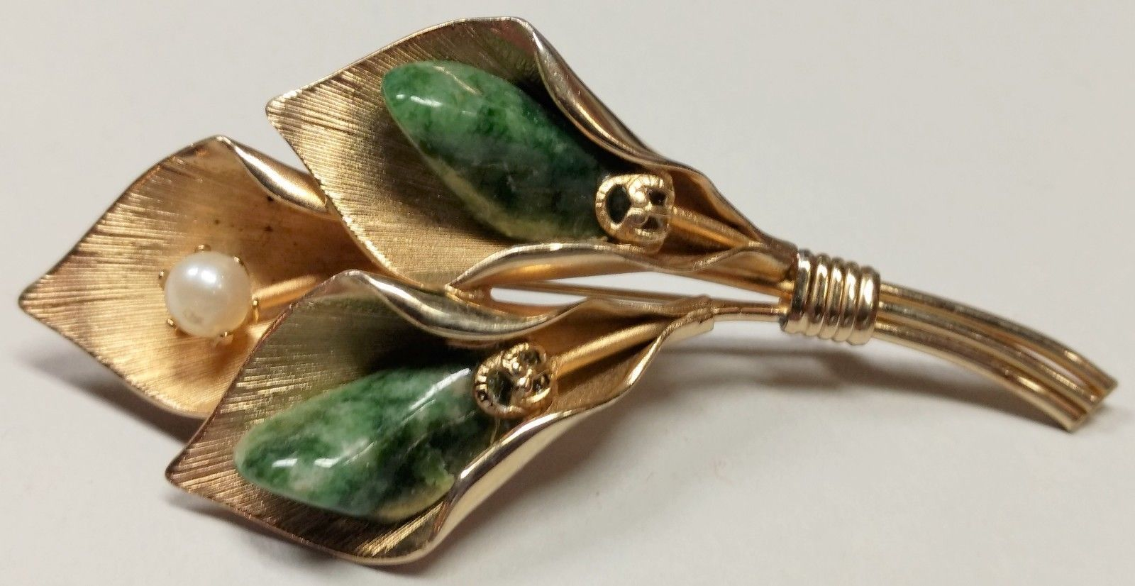 Primary image for Vintage Faux Pearl & Green Agate Calla Lily Floral Spray Pin Brooch