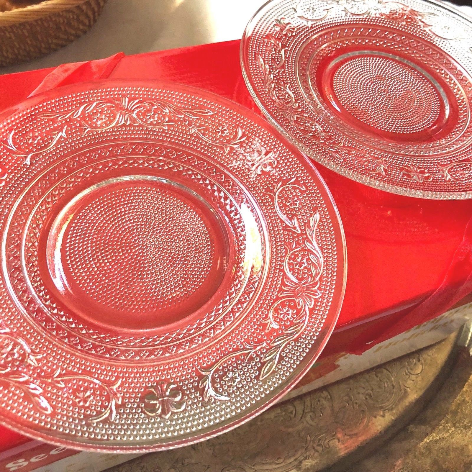 """VTG SET OF 2 INDIANA CUT PRESSED CLEAR GLASS 7"""" PLATE DISH image 2"""