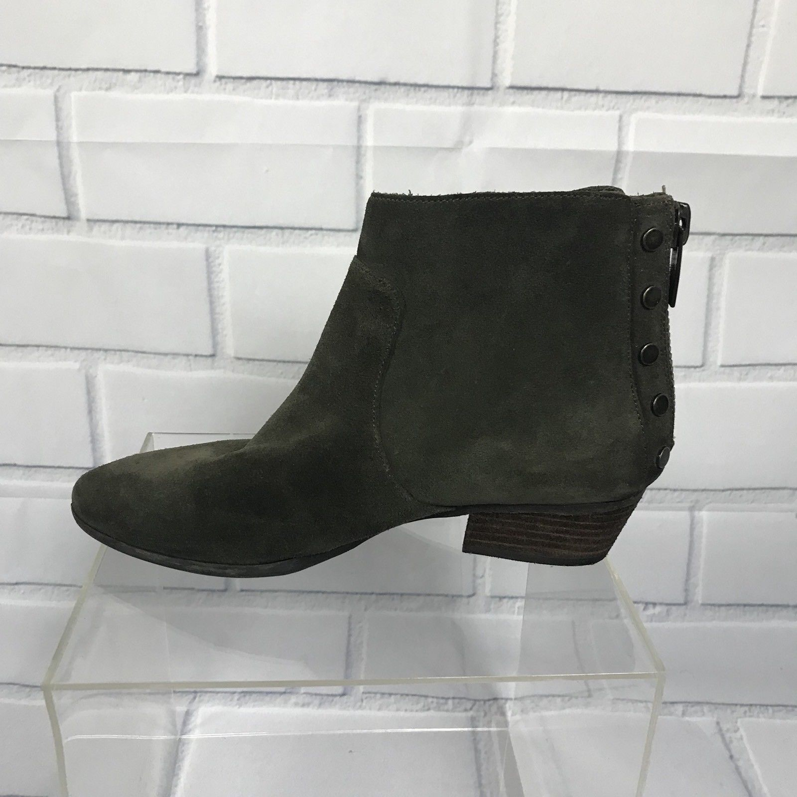 90c3e2e8eb14d Vince Camuto Cinza Women Olive Green Studded Zippered Suede Ankle Boots Sz  7.5
