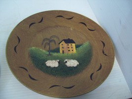 "Wooden 9.75"" Folk Art Primitive Decorative Plate Salt Box House Sheep G5 - $14.84"