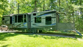 2017 Fuzion 384 - 5th Wheel Toyhauler For Sale In Milford NH, 03055 image 1
