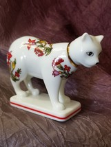 Franklin Mint Curio Cabinet Cats Collection Kakiemon White Floral Cat Figurine - $29.99