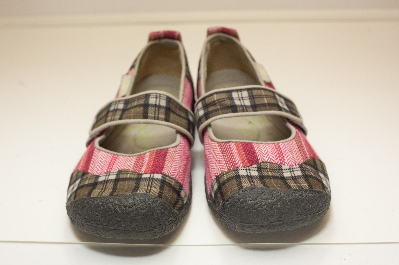 KEEN US 9.5 Red Brown Mary Jane Flats