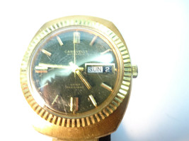 1970 CARAVELLE FLUTED BEZEL DAY DATE GREEN DIAL WATCH RUNS - $125.00