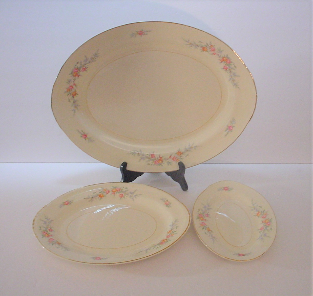"""1 Vintage Homer Laughlin Fiesta Jubilee Cream Beige 9/"""" Plate"""