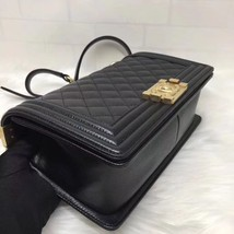 AUTH NEW CHANEL 2018 BLACK QUILTED CAVIAR LEATHER MEDIUM BOY FLAP BAG GHW image 6