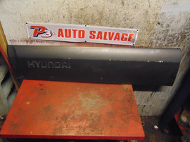 09 08 07 06 05 Hyundai Tucson oem drivers left front door impact trim mo... - $69.29