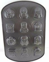 Wilton Halloween Cookie Sandwich Pan 2105-0481 6 designs Non-Stick - $27.93