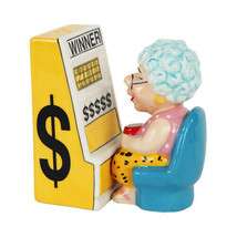 Casino Slots Machine Queen Grandma Magnetic Salt & Pepper Shakers - £10.04 GBP
