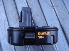 DEWALT   DC9098  CORDLESS BATTERY  ONLY   NICE  USED SHAPE  WORKS WELL 1... - $25.99
