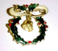 Pin Brooch Christmas Holly Wreath & Jingle Bell Enamel Over Gold Metal - $8.86