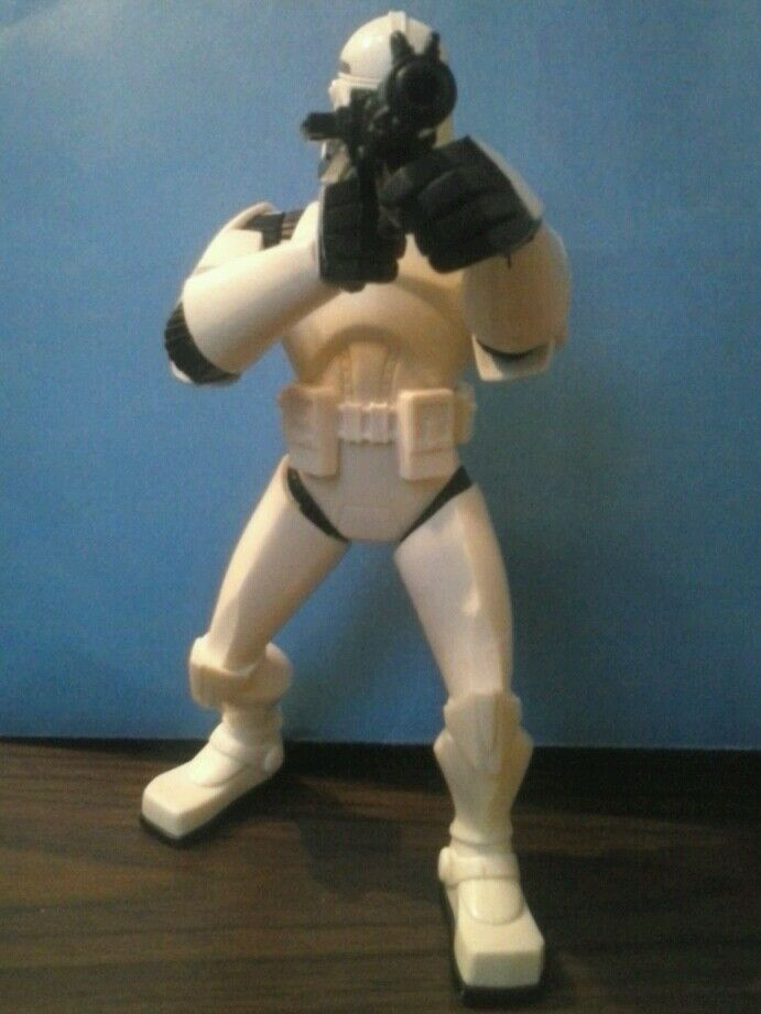 """STAR WARS STORM TROOPER WITH ACTION 7"""" TALL Hasbro LFL 2005 figure image 2"""
