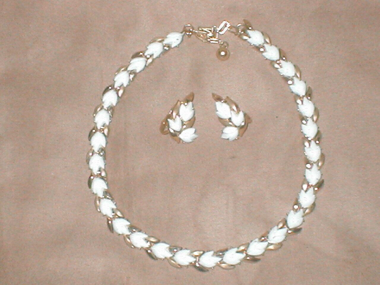 1950's Vintage CROWN TRIFARI signed Milk Glass Necklace & Earrings Set - $87.12
