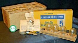 Camera Light Bulbs  AA20-2062 Vintage (USA) image 2