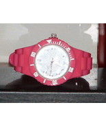 Pre-Owned Women's Dark Pink Sport Style Fashion Analog Quartz Watch - $7.43