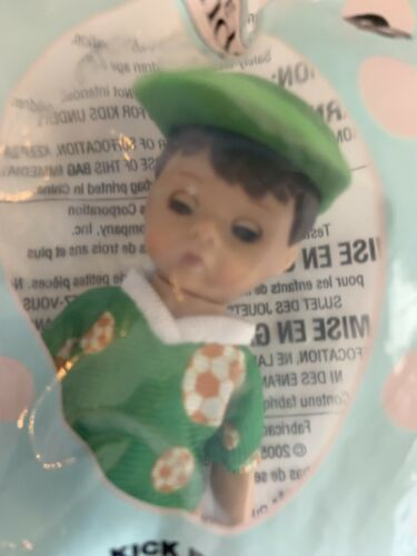 2005 Madame Alexander Doll McDonald's Happy Meal - Kick It Soccer Girl #7 Boy #8 image 4