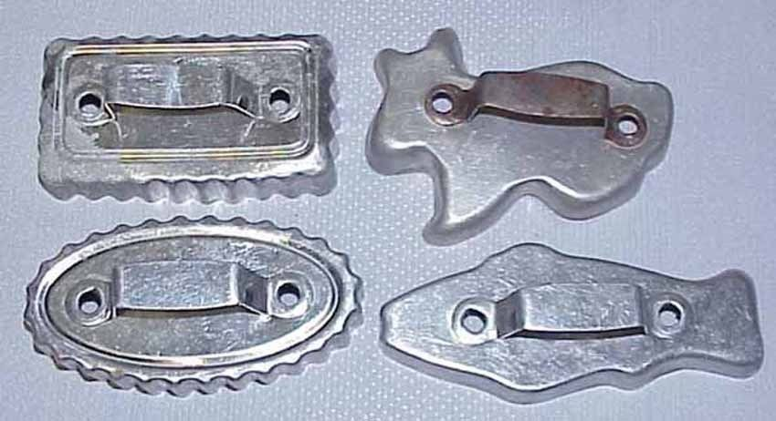VINTAGE COOKIE CUTTERS - Large Lot of 19 all Metal