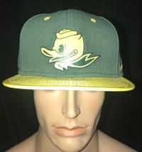 Nike Oregon Mighty Ducks Football Civil War Limited Edition Snapback Hat Cap - $45.54