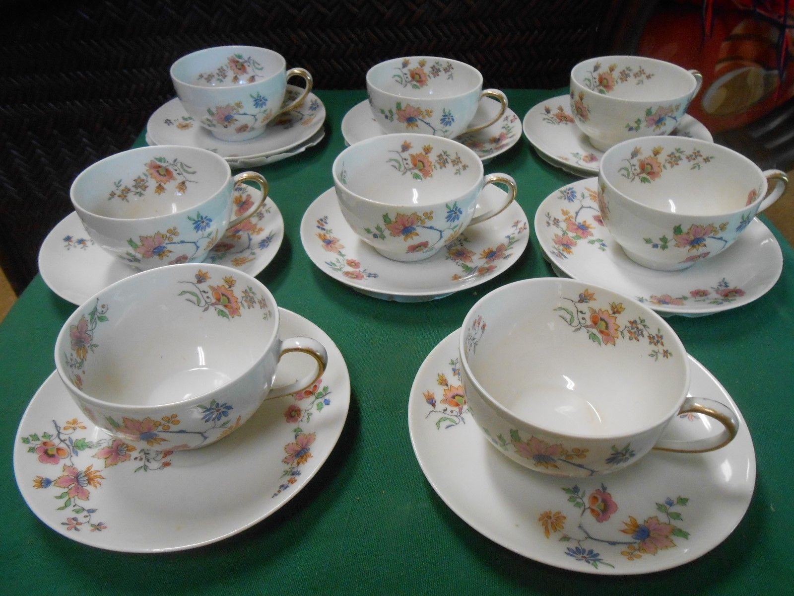 Beautiful CH.FIELD Haviland Limoges GDA France-Set 8 CUPS & SAUCERS-2 Cloth Bags - $80.10
