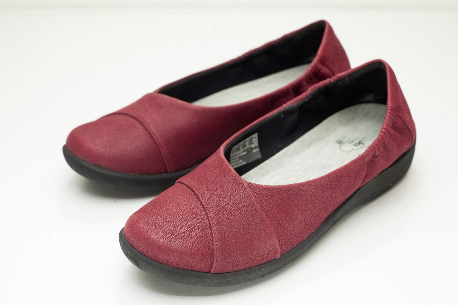 cc7f93ac748 Clarks 8.5 Red Ballet Flats Woman s Slip On and 50 similar items. 57