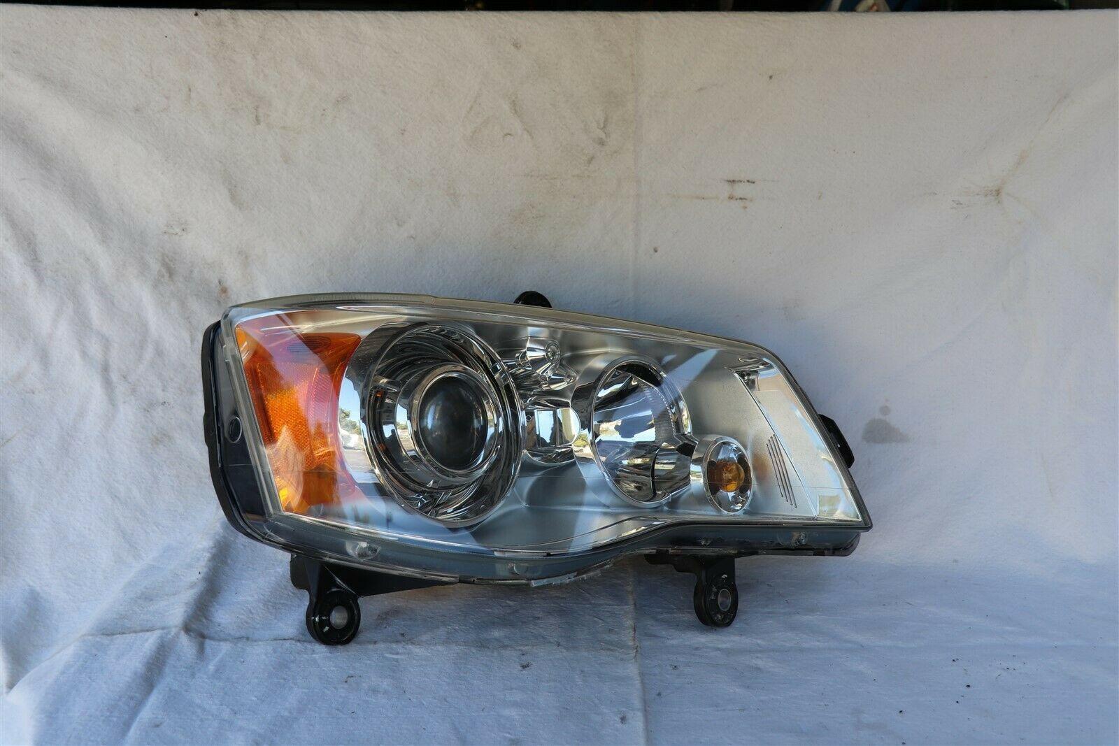 08-14 Chrysler Town & Country HID XENON Headlight Passenger Right RH
