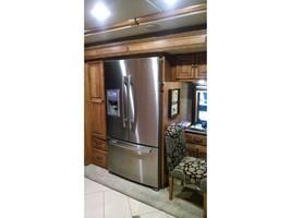 2014 WINNEBAGO ELLIPSE 42QD For Sale In Stevensville, MT 59870 image 8