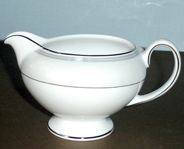 Wedgwood Notting Hill Cream Creamer Leigh Made in England New - $56.90