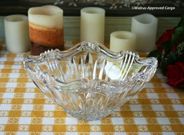 ONEIDA CRYSTAL AUGUSTINA BOWL – A CLEAR-CUT CASE OF ELEGANT TABLE SERVICE! - £64.04 GBP