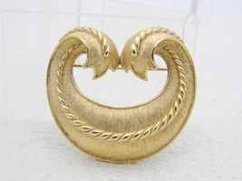 VTG CROWN TRIFARI Gold Tone Textured Style Two Tail Pattern L'Orient Pin... - $74.25