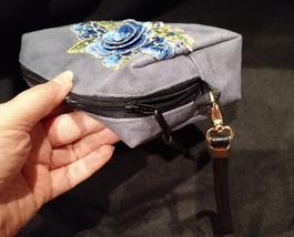 Clutch Bag/Wristlet/Makeup Bag Blue Floral Applique on Gray Faux Suede image 5