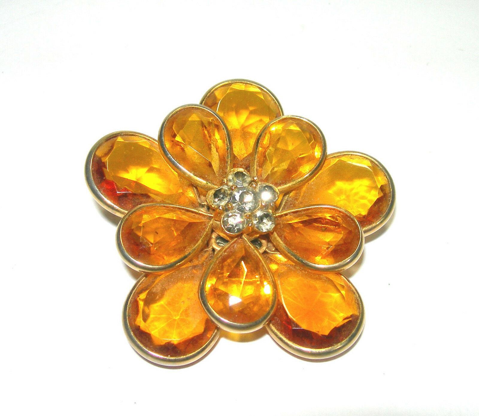 VINTAGE YELLOW OPEN BACK FLOWER PETAL CLEAR RHINESTONE GLASS GOLD TONE BROOCH