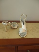 silk box Evening 9 m Ivory in 1 2 Wedding High sz 9 Dressy new 5 Caparros Heels xYAI5F