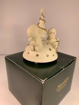 Dept 56 Snowbabies Trimming The Tree Revolving Music Box 06021 Avon 2003 - $26.88