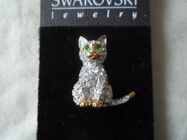 Primary image for Swarovski crystal cat kitten pin